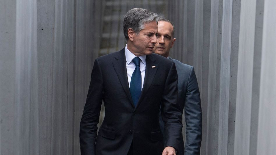 """U.S. Secretary of State Antony Blinken and German Foreign Minister Heiko Maas in Berlin: """"Can we make something out of a very bad hand that we inherited?"""""""