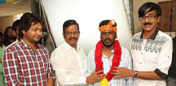 Paambu Sattai Cast and Crew