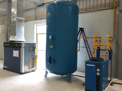 Máy nén khí trục vít tạo ra được luồng khí áp suất lớn.