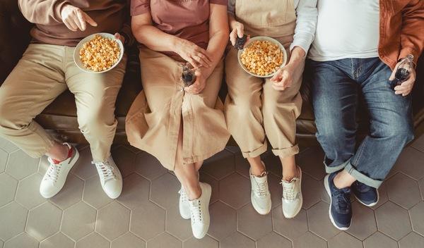Les popcorns stylés aux séries d'été Lupin Gossip Girl Elite