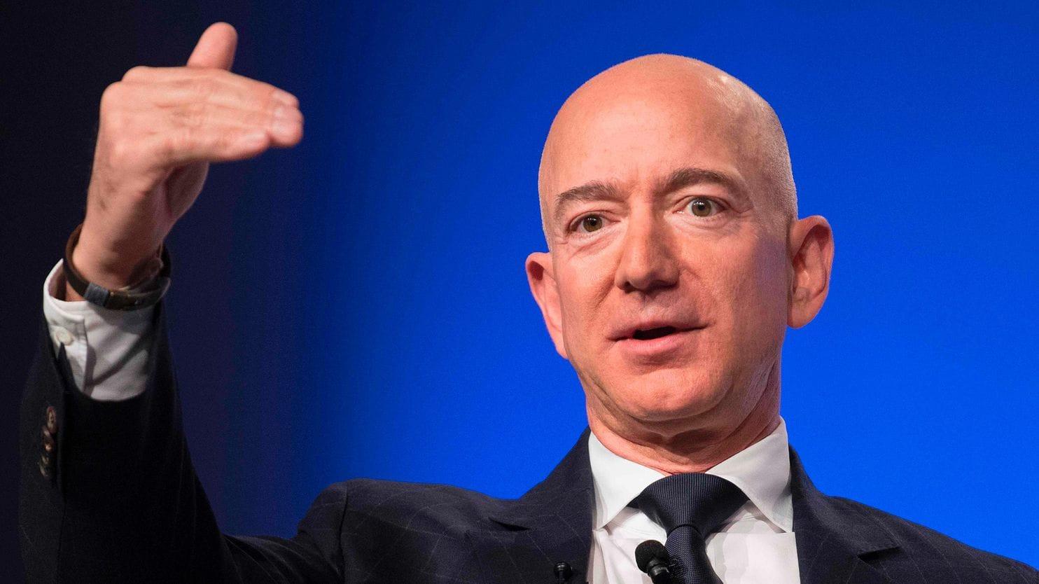 """Jeff Bezos với lời khuyên: """"Tập trung vào mục tiêu dài hạn!"""""""