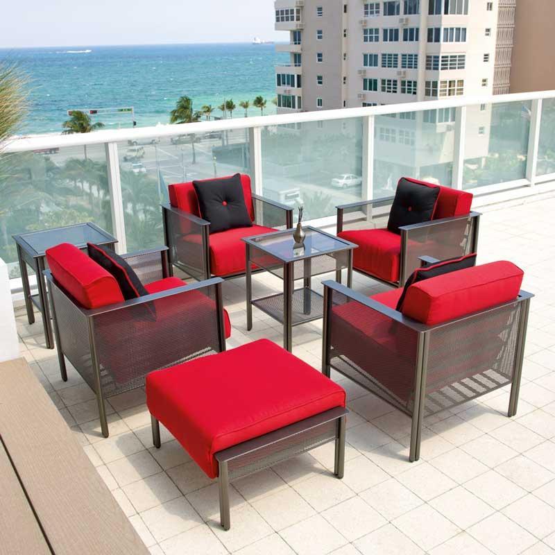 Furniture Outdoor dengan Material Besi Tempa - sumber: www.patioproductions.com