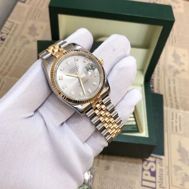 Xu hướng cầm đồng hồ ngày càng phổ biến tại nước ta