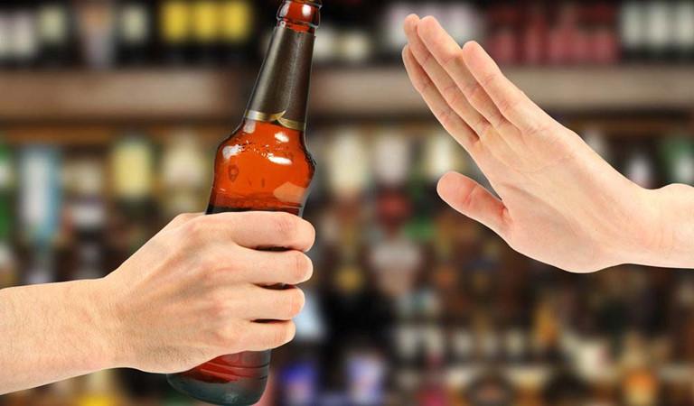 Không uống rượu bia hoặc đồ uống có cồn