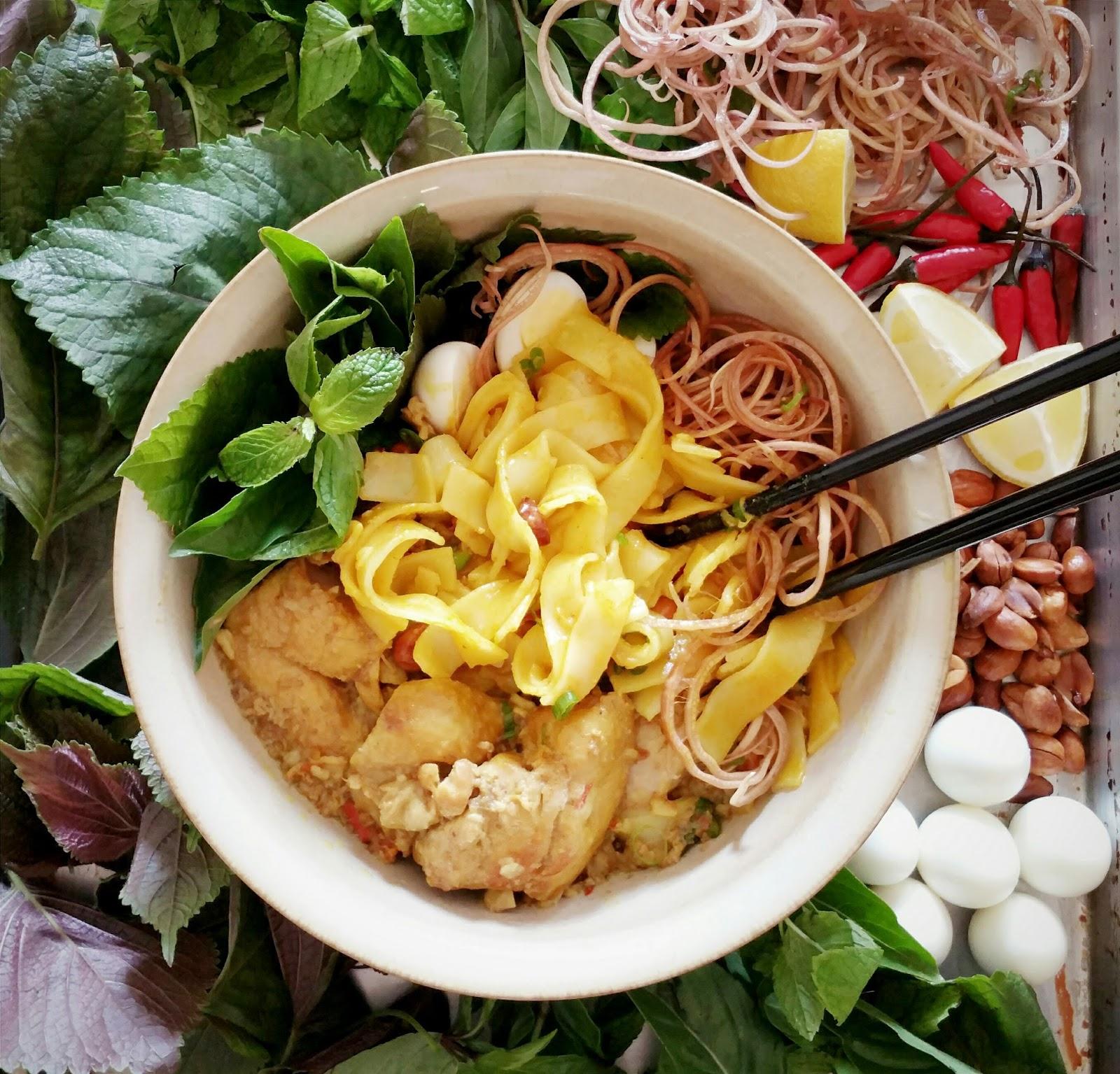 Nguyên liệu tạo nên tô mì quảng được chọn lựa tỉ mỉ, kỹ càng và luôn tươi ngon mang đậm hương vị xứ Quảng