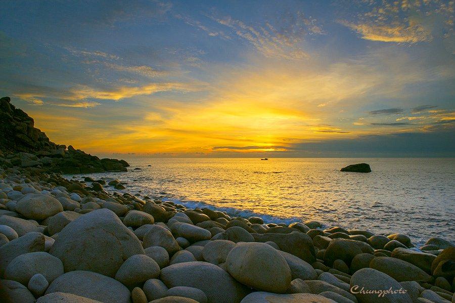 Đón bình minh trên đảo Bình Hưng