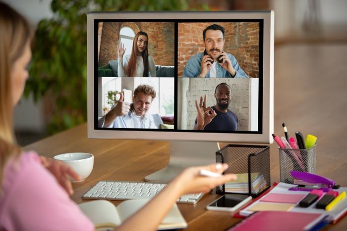 Realiza videoconferencias para comunicarte en el trabajo remoto.