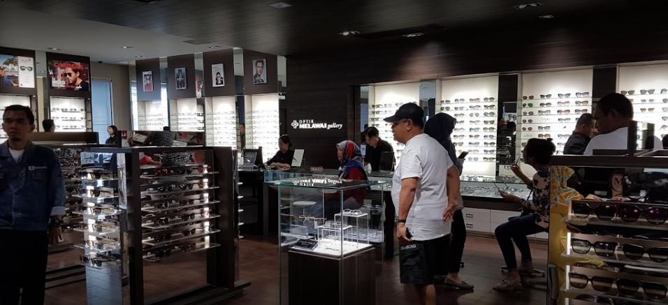 Optik Melawai selling optical lenses in Jakarta