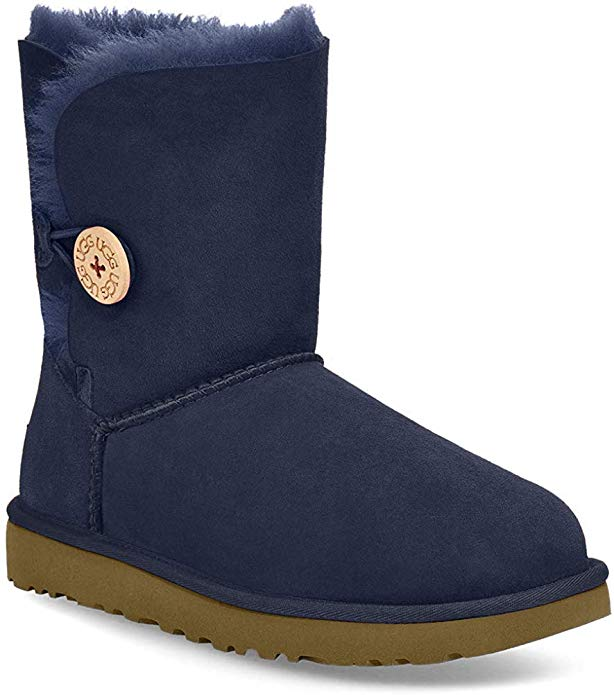 winter fashion tips: the UGG bailey button is super cozy