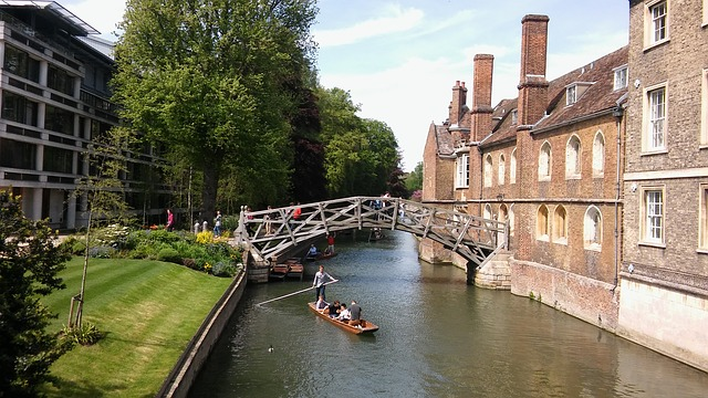 cambridge-1423972_640.jpg