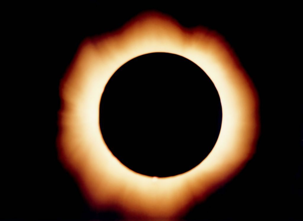 File:Eclipse 1999.jpg - Wikimedia Commons
