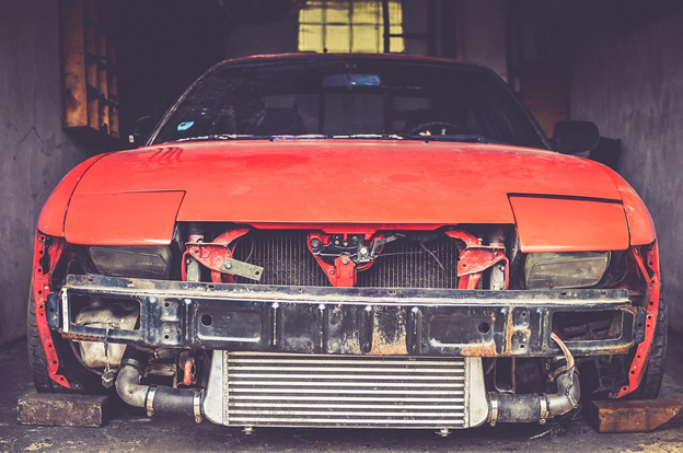 attend salvage auctions with the help of a wholesale dealer license