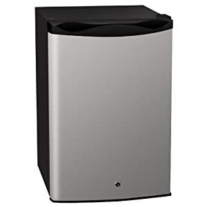 14. Summerset SSRFR-1B Outdoor Refrigerator