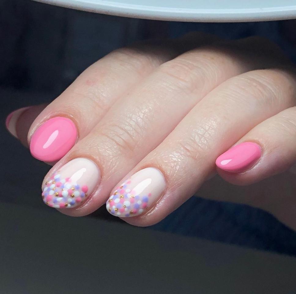 pastel dot nail art