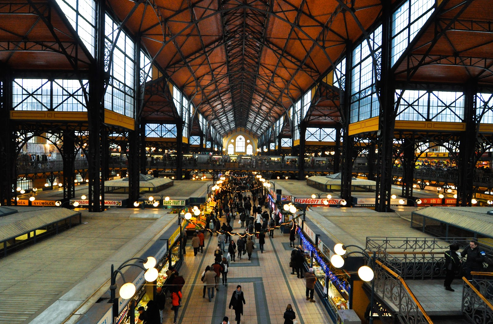 Budapest_great_market_hall.jpg