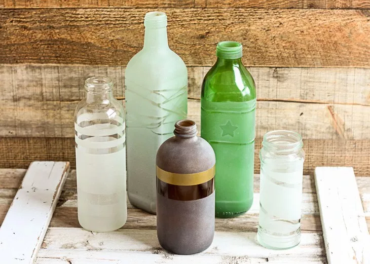 Frosted Glass Vases: These 50 Cheap & Easy Farmhouse Decor Ideas will help you save money and transform your space.