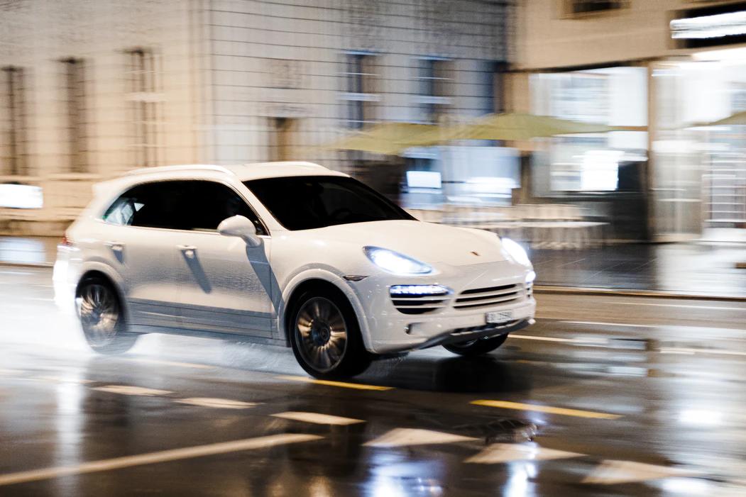 Carros são uma das principais categorias de veículos que podem ser reprogramados.