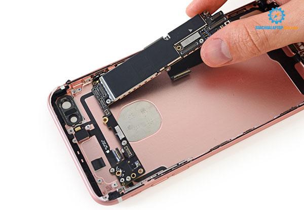 thay vỏ iPhone giá rẻ tại SUACHUALAPTOP24h.com