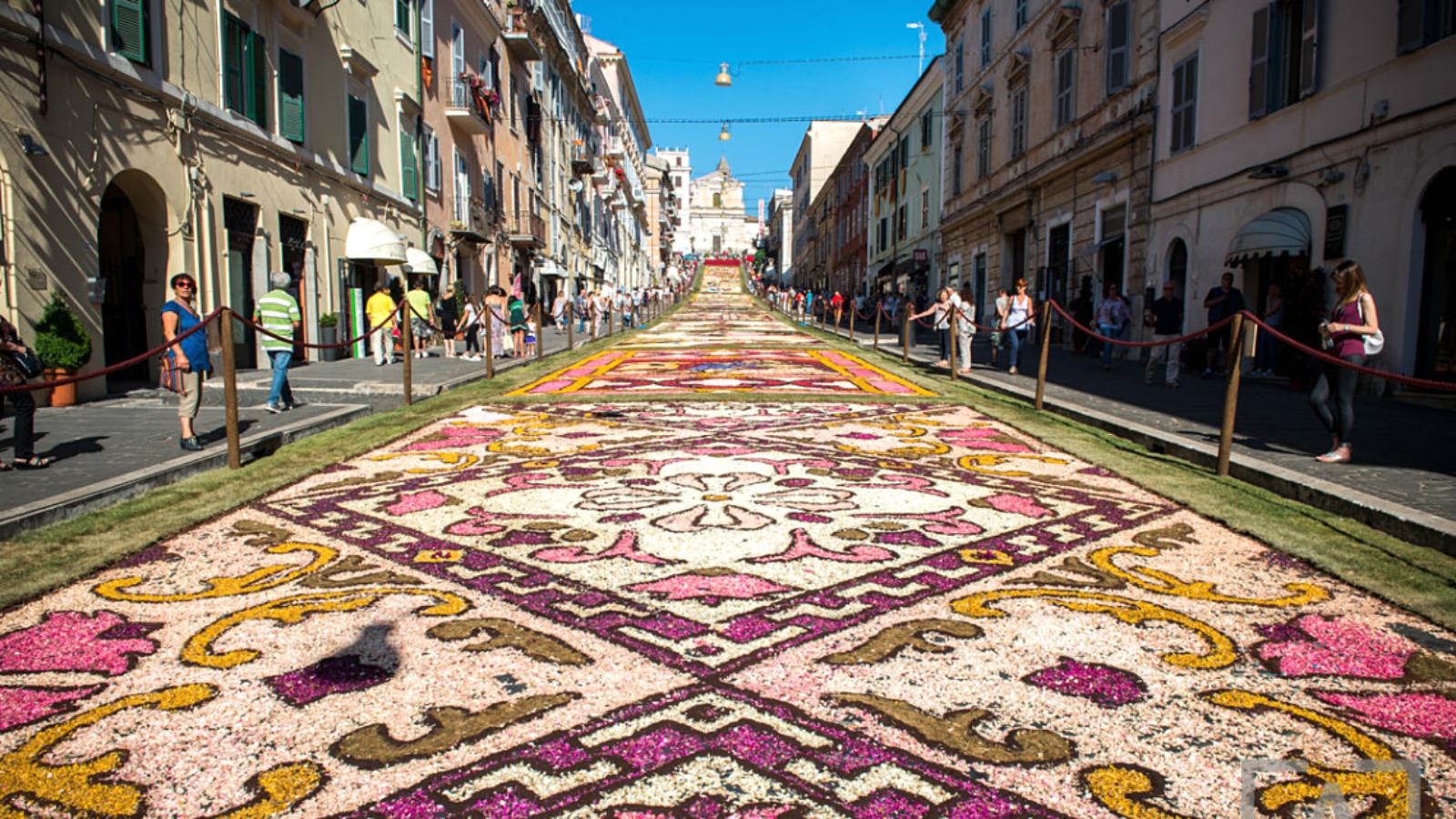 Lễ hội hoa Genzano Infiorata, Ý