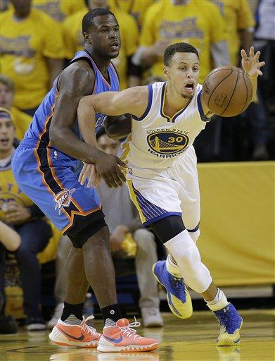 Curry y Warriors destrozan a Thunder y empatan la serie a 1-1