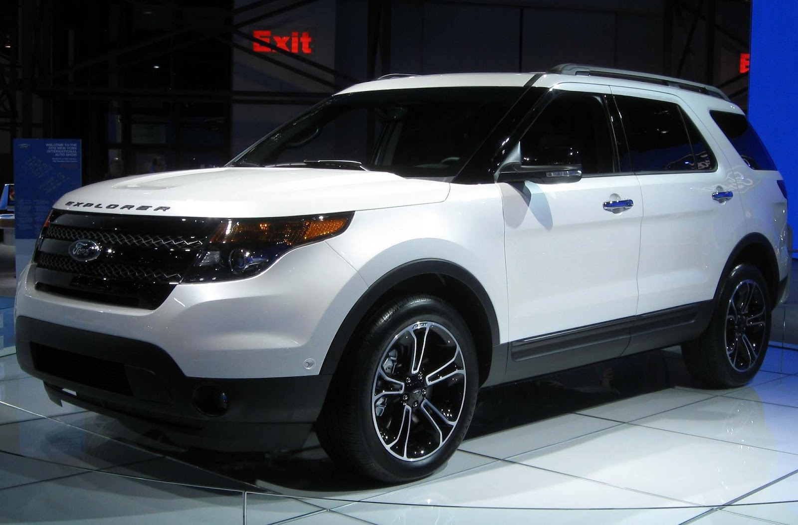 Cars With 3rd Row Seating >> New Explorer Have 3rd Row Seating I 5 Cars