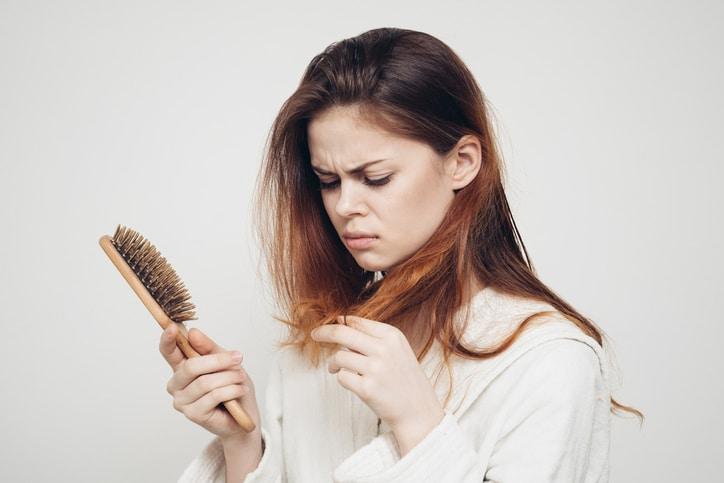 Nếu tóc rụng nhiều và quá yếu thì sao?