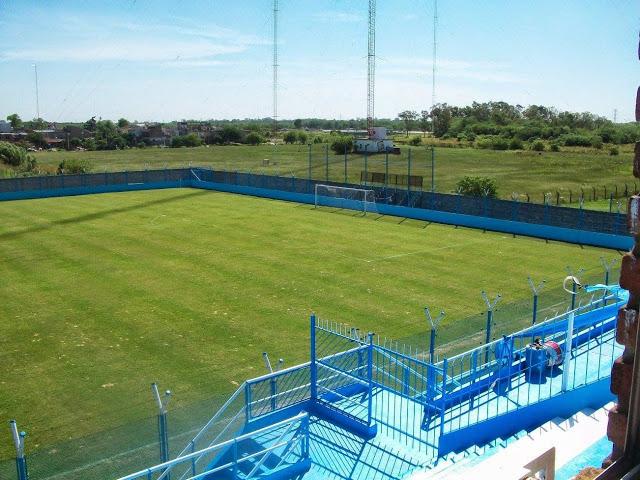 Se o Flamengo não tem estádio, o J.J. Urquiza tem.
