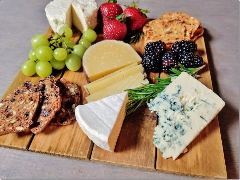 how-to-make-an-awesome-cheese-plate-[3]