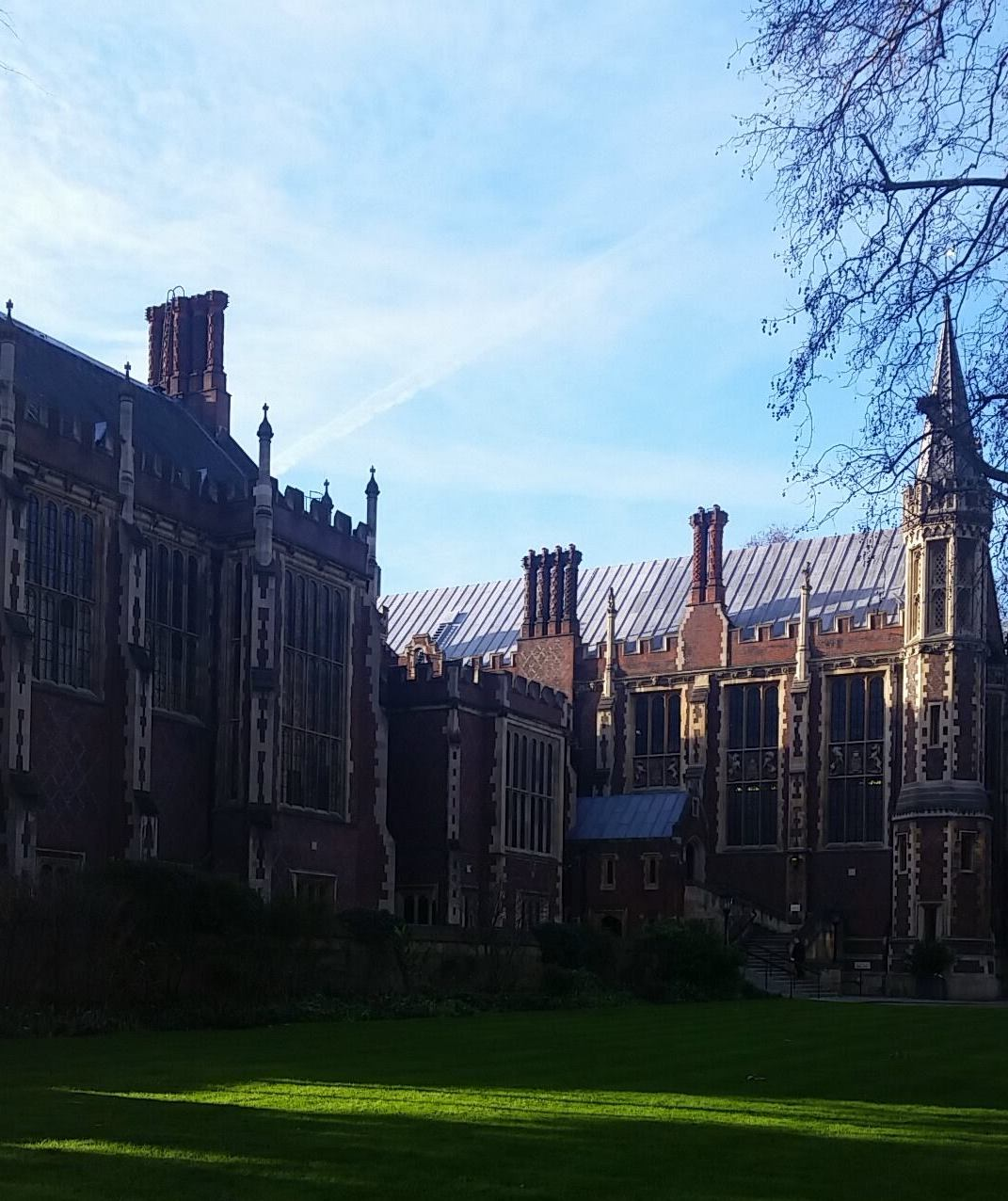 What It's Like to Study Away at NYU London | Her Campus