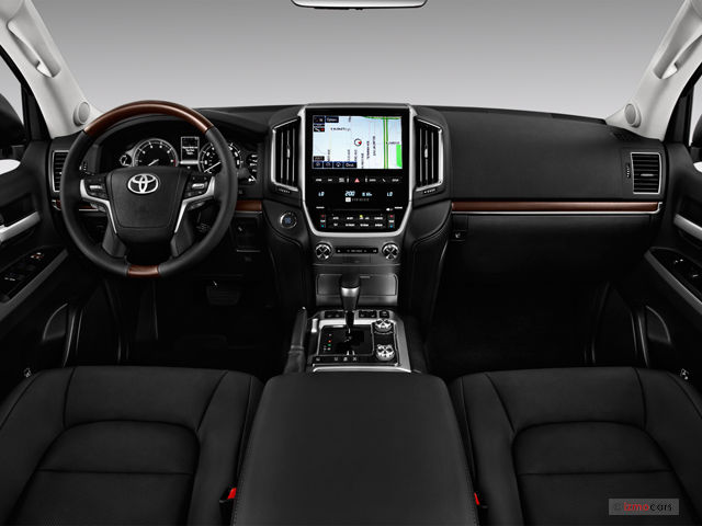 The interior of the Toyota Land Cruiser 2018