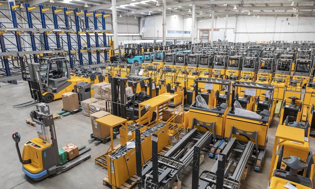 Fabrica da multinacional alemã Jungheinrich, em Itupeva (SP), onde a empresa mantém estoque, oficina, estoque de máquinas novas e seminovas: dificuldade de encontrar mão de obra até nas escolas. Foto: .
