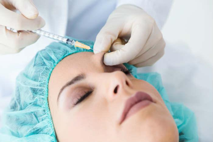 Aplicación facial de botox