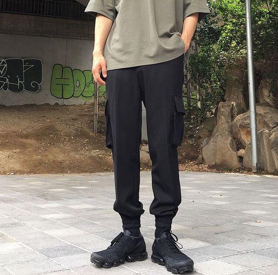 techwear cargo trousers