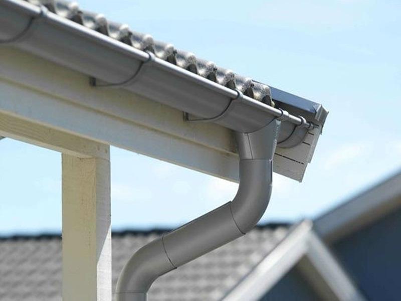 Máng xối dùng để thoát nước trên các mái nhà
