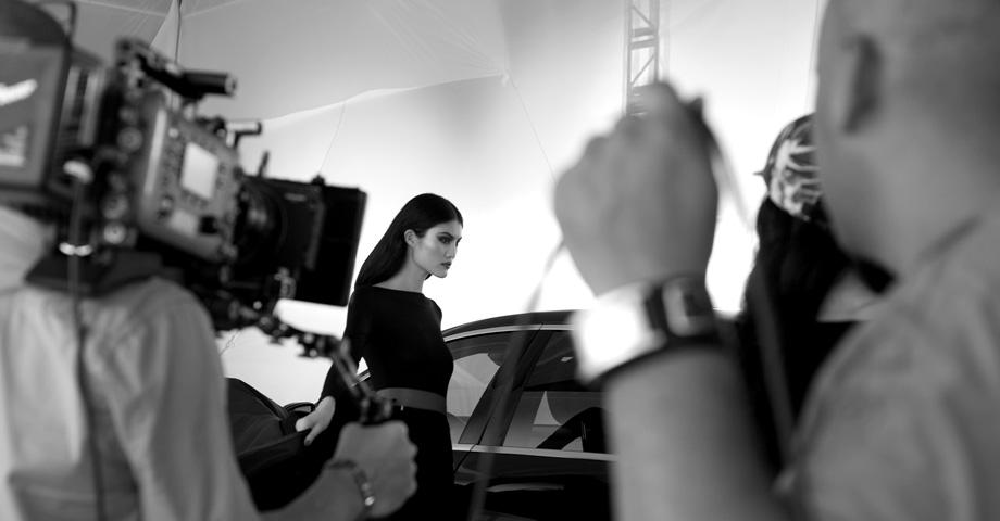 *極致品味的迷幻廣告:時尚編輯Carine Roitfeld x Mercedes-Benz 3