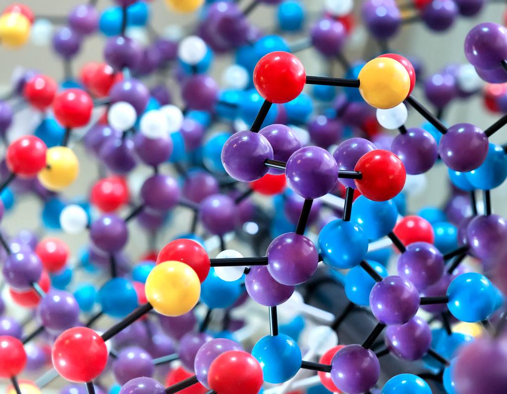 Molecule vs compound tutorial example