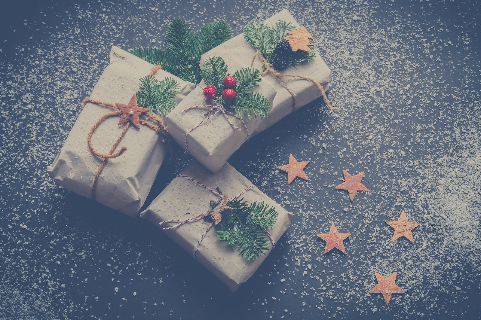 SMART Ways to Cut Costs This Christmas