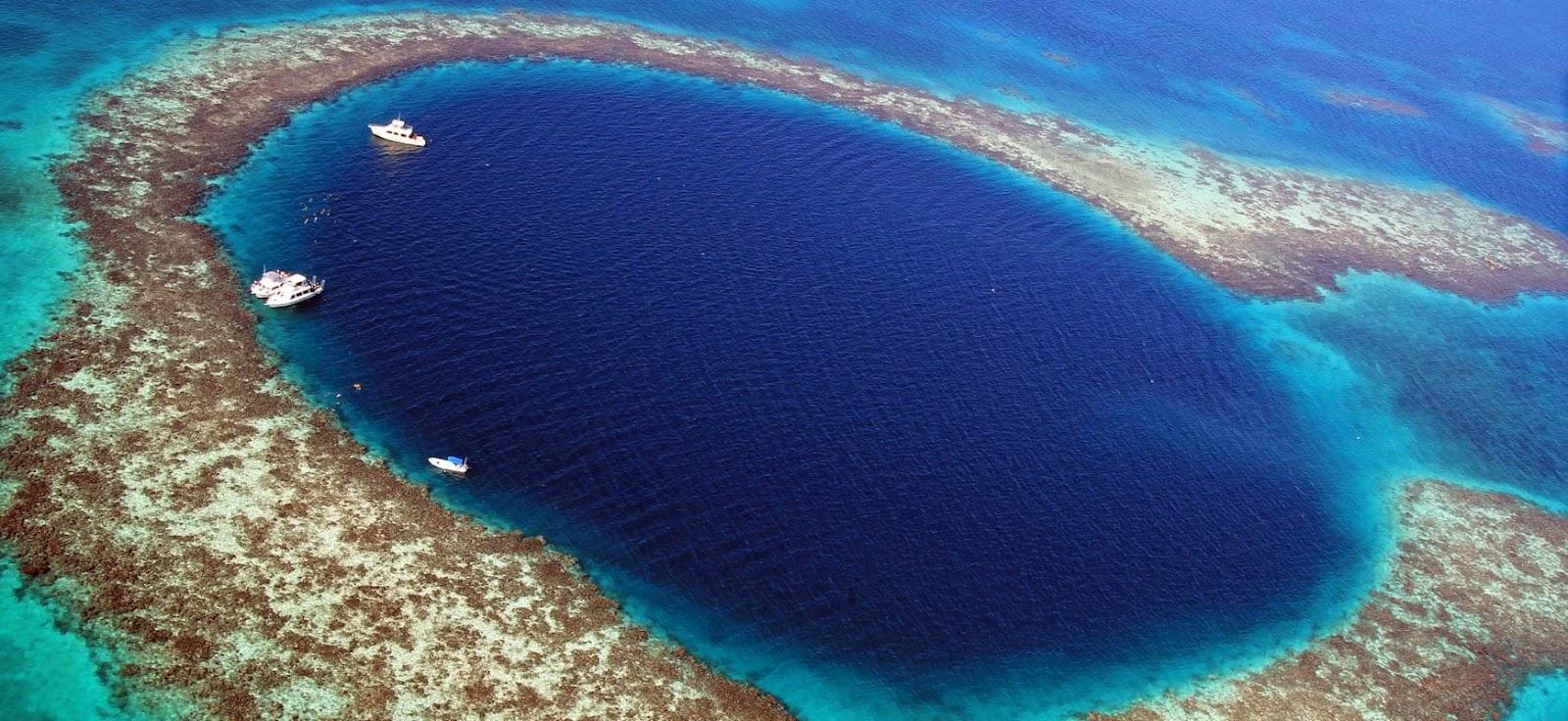 """Chiêm ngưỡng """"Hố xanh khổng lồ"""", một trong những bí ẩn lộng lẫy nhất thế giới - ảnh 1"""