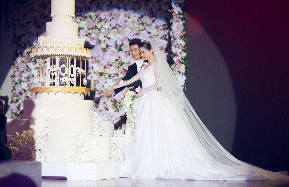 Most Expensive Wedding Dress.The Ultimate List Of Of The Most Expensive Wedding Dresses
