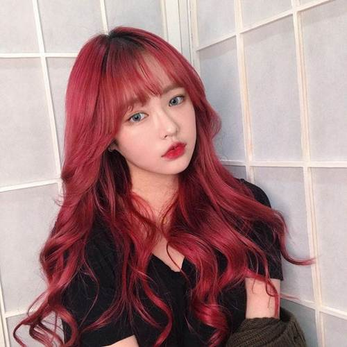 5.สีผมสุดคลูแบบสีแดงจัดจ้าน