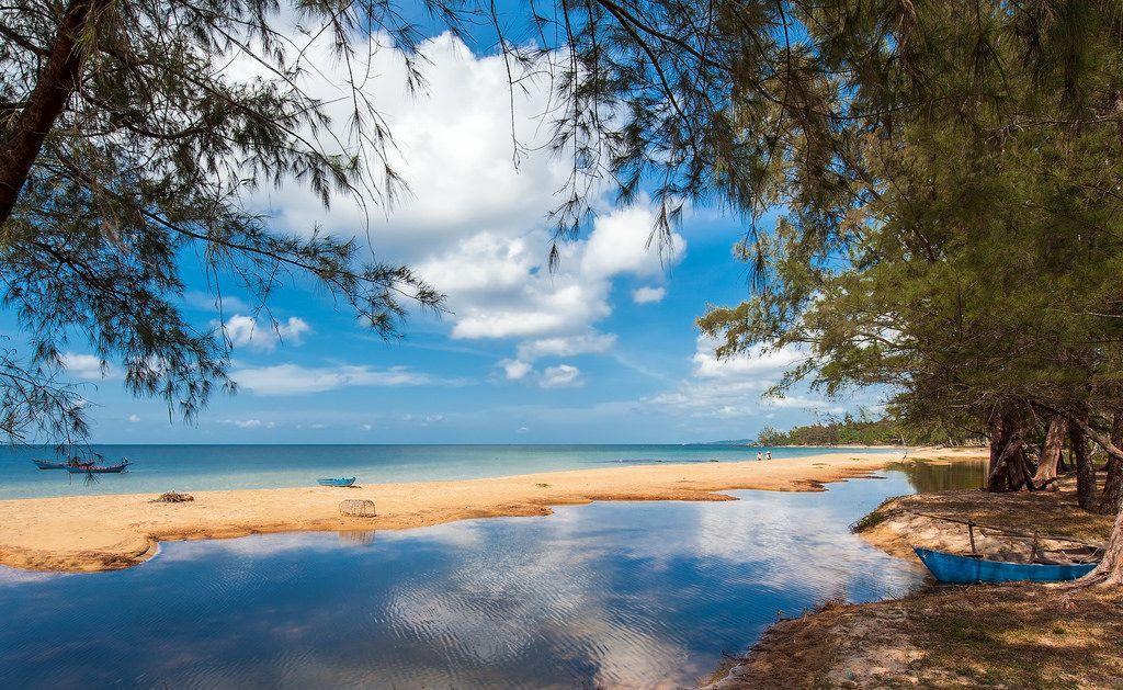 Bãi biển Ông Lang là một điểm đến đầy hấp dẫn với mọi du khách