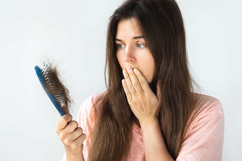 triệu chứng rụng tóc