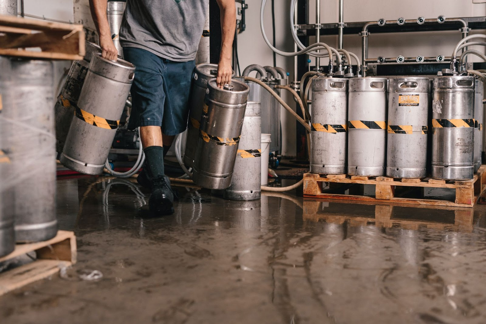 Brewery Self-Distribution vs. Traditional Distribution: Which Is Better?