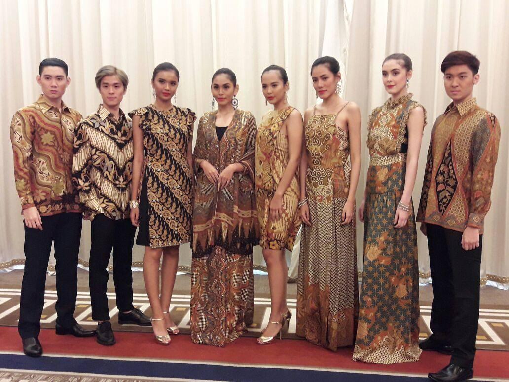 make up batik.jpg