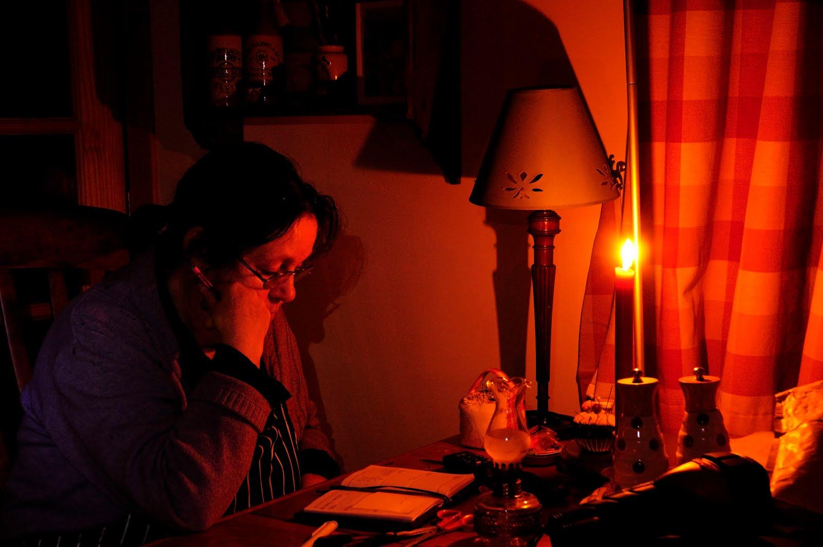 _DSC8365 janet during power cut.jpg