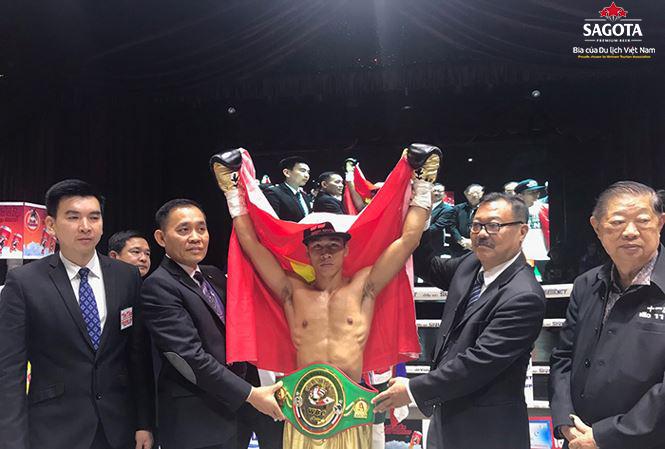 Trần Văn Thảo hạ knock-out võ sĩ người Indonesia George Lumoly ở hiệp đầu tiên
