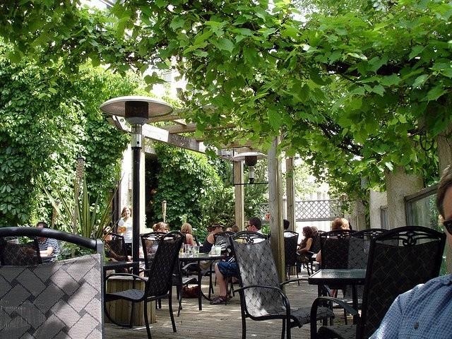 earls patio