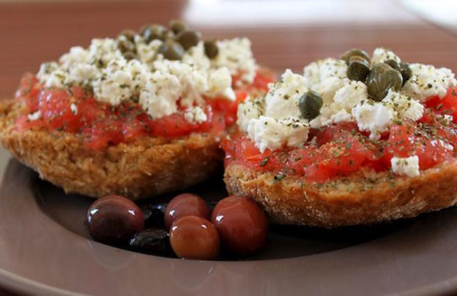 Delicious Cretan dakos!