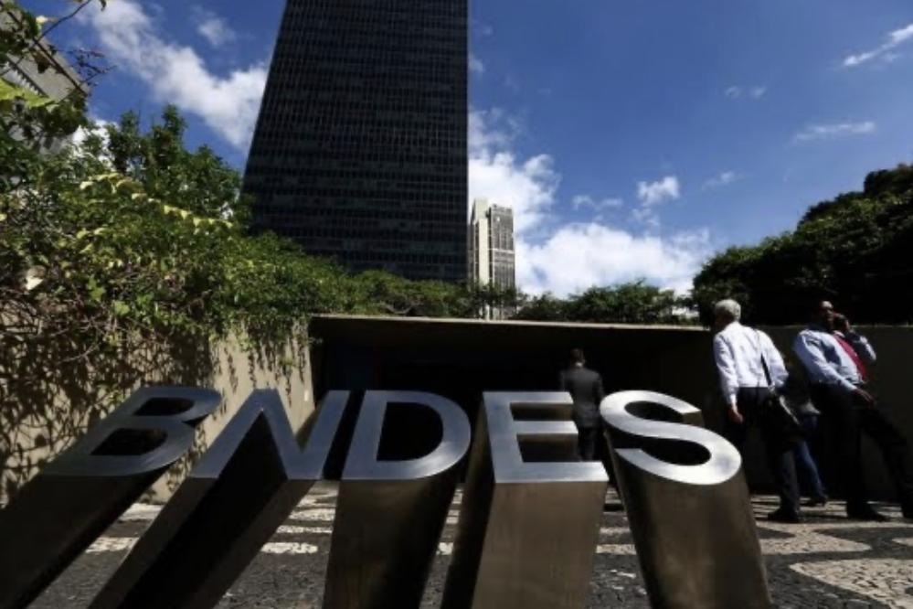 Crédito do BNDES têm alta de 247,8%