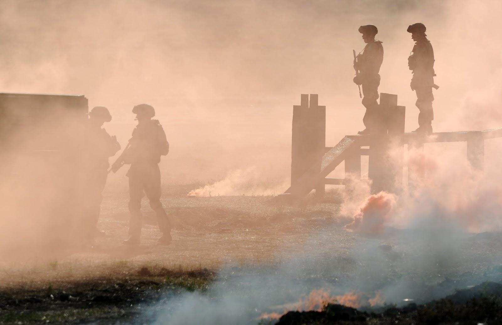 Военнослужащие во время тактических учений подразделений 150-й мотострелковой дивизии Южного военного округа (ЮВО)